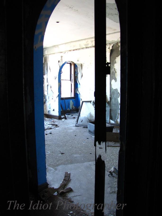 door gone