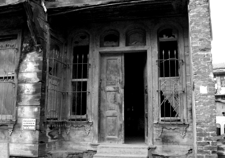 IstanbulDoor.wp