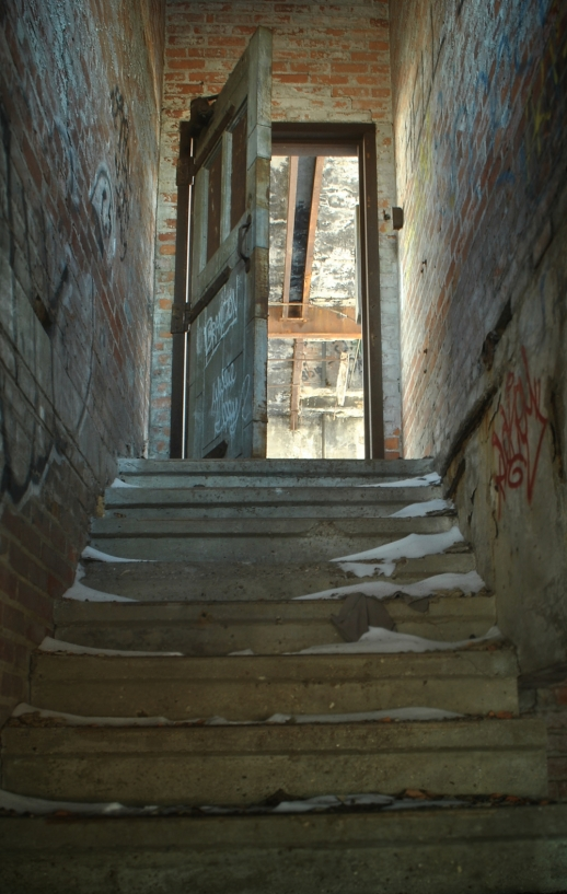 CreepyStairs2.wp