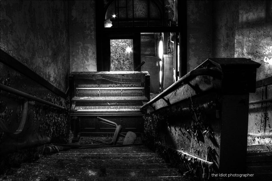 piano blockade